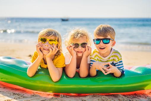 Protection solaire pour les yeux des enfants